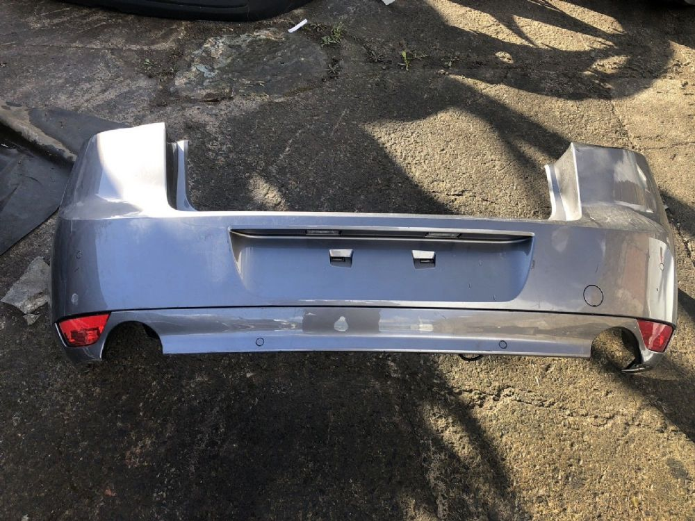 GENUINE RENAULT SCENIC REAR BUMPER 2009 TO 2012 P/N: 850220040R MAY NEED RESPRAY